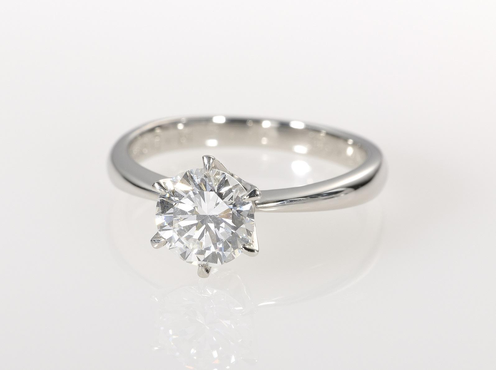 1.0ctのダイヤモンドリング_1